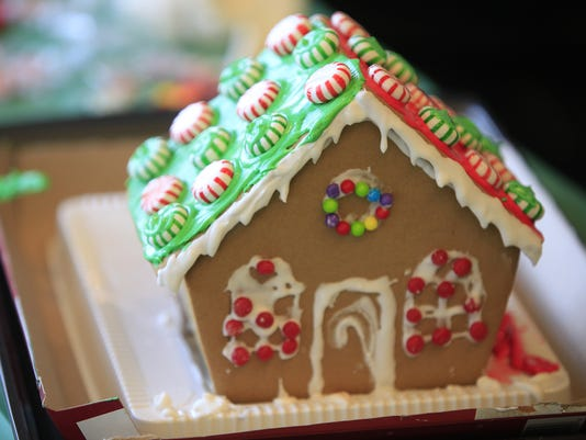 Minnetrista gingerbread house workshop