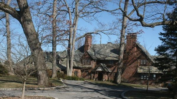 The owners of 2 Cedar Lane in Larchmont, which is valued at $4 million, would receive a check for about $875 if the Mamaroneck schools stay within state tax cap in 2014 under Gov. Cuomo's tax-freeze. In 2015, checks totaling $1,750 could be sent in 2015, if the town, county, village and schools all stay within the cap.