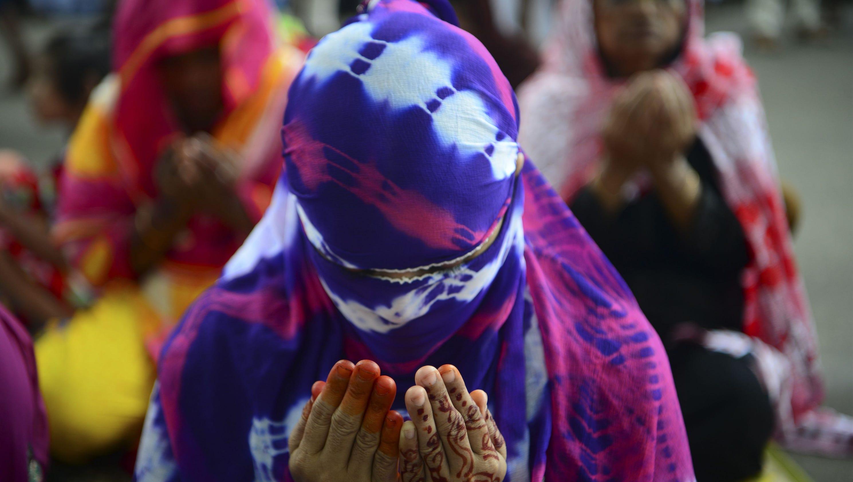 Bangladesh attacks kill 4 during eid prayers for Stahlwandbecken 3 60 x 0 90