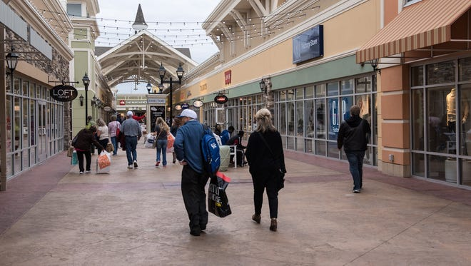 Shoppers on Election Day at the Outlet Shoppes of the Bluegrass mall near I-64 in Simpsonville, Ky. November 4, 2014