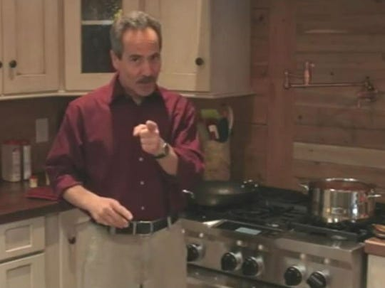 Actor Larry Thomas' prepares to cook his specialty: chili. His favorite food? Sandwiches.