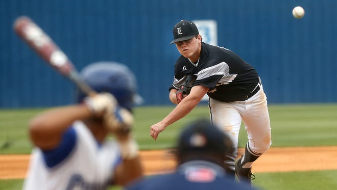 Loretto's Ryan Weathers signed with Vanderbilt on Wednesday.