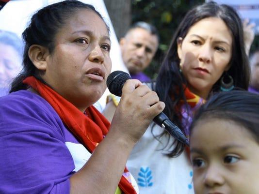 636528958443698044-Georgina-and-daughter-at-hunger-strike.jpg