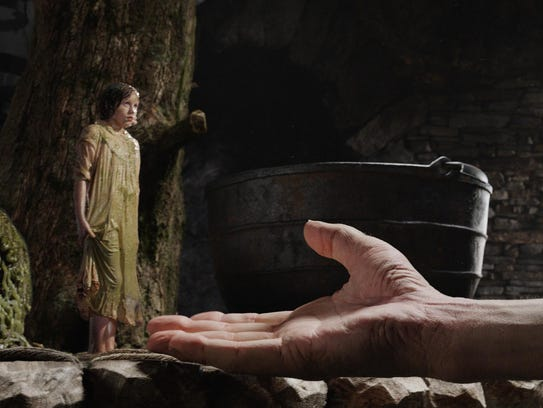 """""""THE BFG"""" is the imaginative story of a young girl"""