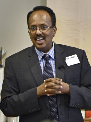 Former Somali prime minister Mohamed Abdullahi Farmajo talked about his former duties and answered questions in St. Cloud on June 5, 2015.