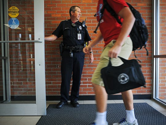 School Resource Officer, Robert Draeger, with the Sioux