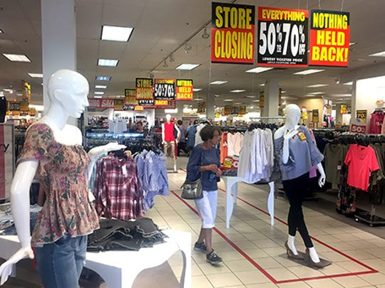 Carson's at the Muncie Mall is set to close along with