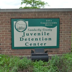 Meet Your Neighbor:  2 honored for visiting youths at  juvenile jail
