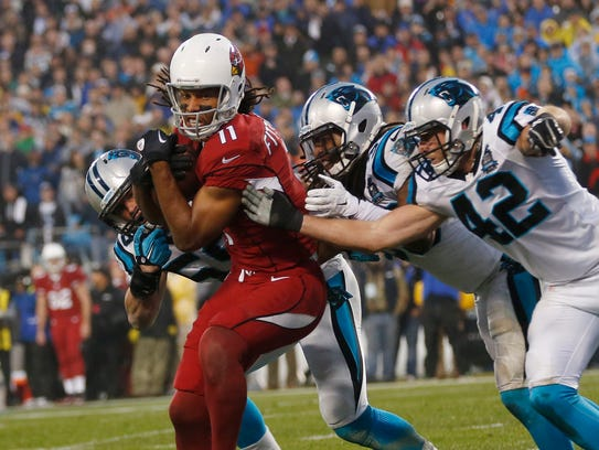 Arizona Cardinals WR Larry Fitzgerald makes a catch