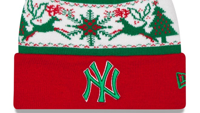 Yankees winter cap in ugly sweater style? Yes, please!