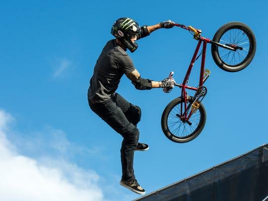 le- BMX Vert Finals 7435.jpg