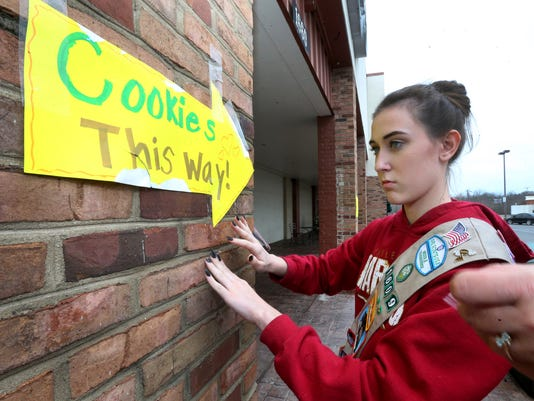 635918285993927333-02-girl-scout-cookie-sales.JPG