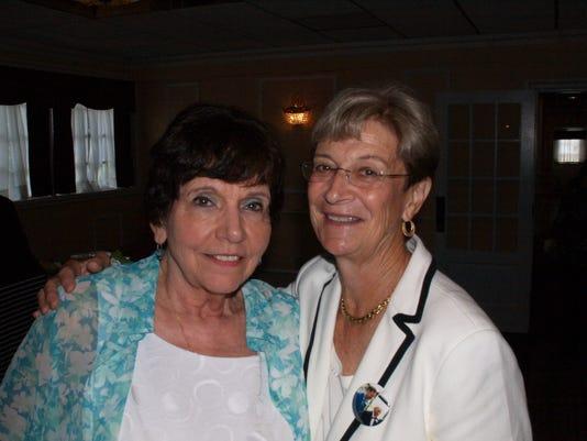 636685630059109488-Joan-Taylor-with-Linda-Klusick.JPG