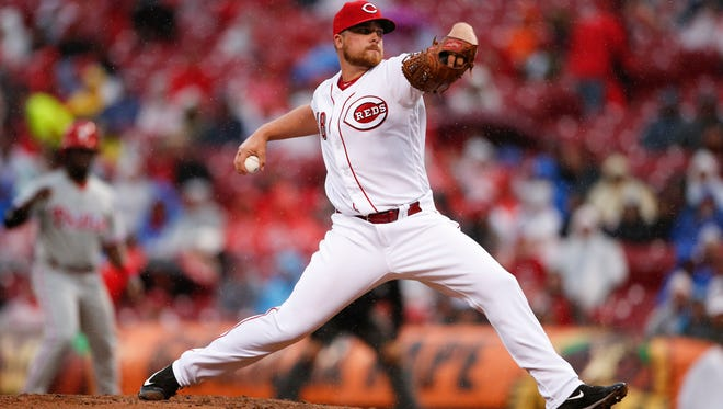 Cincinnati Reds relief pitcher Barrett Astin throws in the fifth inning of a baseball game against the Philadelphia Phillies, Monday, April 3, 2017, in Cincinnati. (AP Photo/Gary Landers)