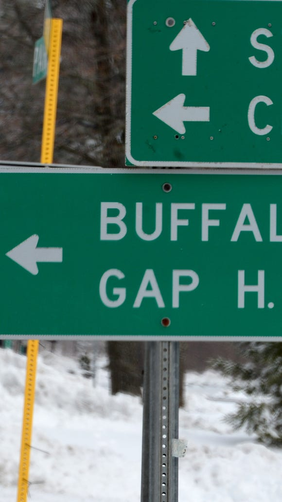 Sign pointing the way to Buffalo Gap High School.