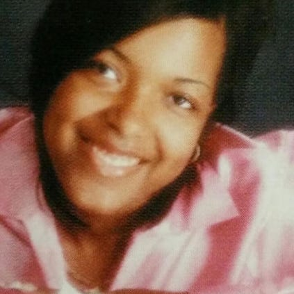 Amber Vinson traveled to DFW Airport aboard Frontier
