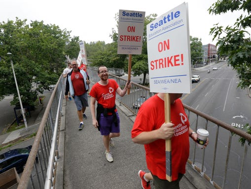 Striking Seattle School District teachers and other
