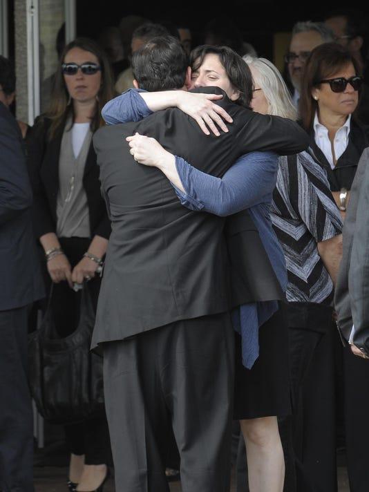 2015-0518-ctj-me-jacobs-funeral018