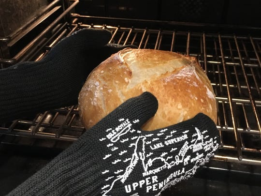L'Oven Mitts by Michigan Mittens.