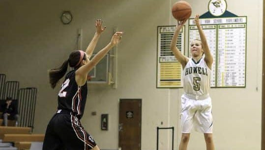 Alexis Miller (5) hit six 3-pointers and scored 21 points to lead Howell to a win over Pinckney.