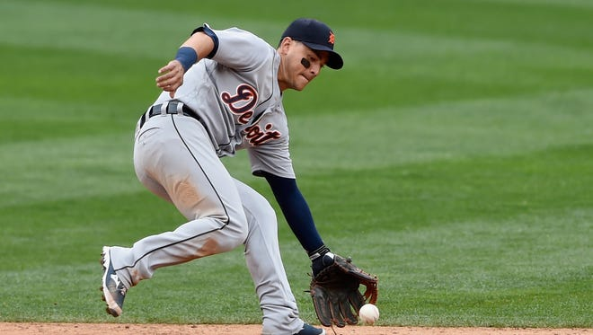 Tigers shortstop Jose Iglesias makes a play against the Minnesota Twins during the sixth inning of Game 1 of a doubleheader on Sept. 22, 2016 at Target Field.