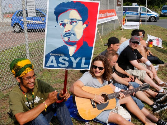 AP GERMANY NSA PROTEST I DEU