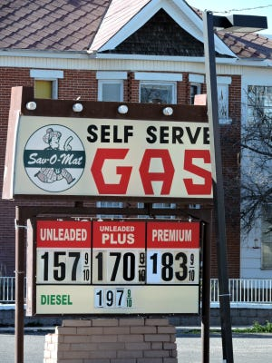 While the price of gas has been going down all over the country, Deming is enjoying lower than average prices. There is no sign of a gas war, as just about every filling station in town is accommodating motorists by the gallon. The national average is $1.85 per gallon, according to the United States Energy Information Administration website (http://www.eia.gov/petroleum/gasdiesel/).