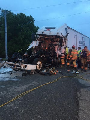 An accident on the Lloyd Expressway near Boehne Camp Road blocked traffic Thursday morning.