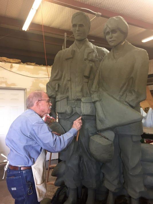 Vietnam Memorial Sculptor02