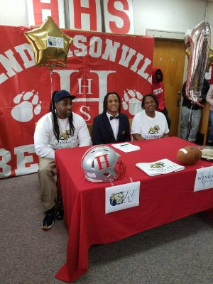 Hendersonville's Tykel Landrum signed with Wingate University Monday