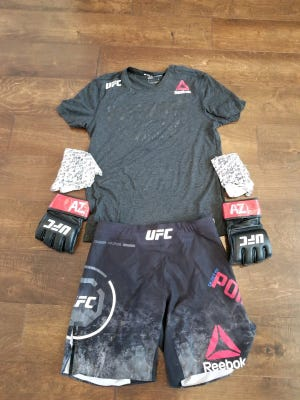 Dustin Poirier's fight gear from his win over Justin Gaethje.