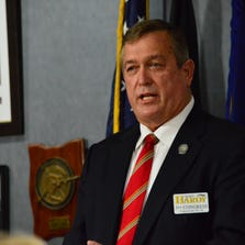 Congressional candidate Cresent Hardy speaking at the Mesquite Veterans Center.