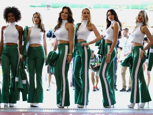 formula one grid girls 4-5-2018