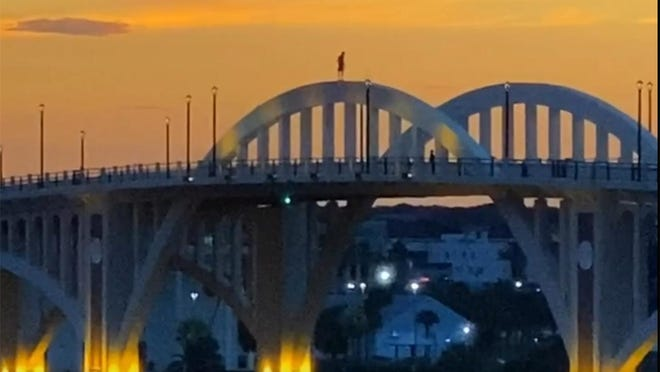 The evening before the new Tom Staed Veterans Memorial Bridge opened on Orange Avenue, Craig and Zanne Dyer spotted someone getting an early peek. The person came down and left before police arrived, they said.