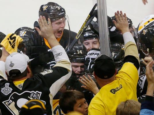 636004208534881133-Stanley-Cup-Hockey-Heis-1-.jpg