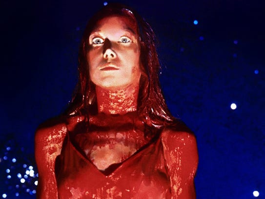 """Sissy Spacek and """"Carrie"""" will dance at the high-school"""