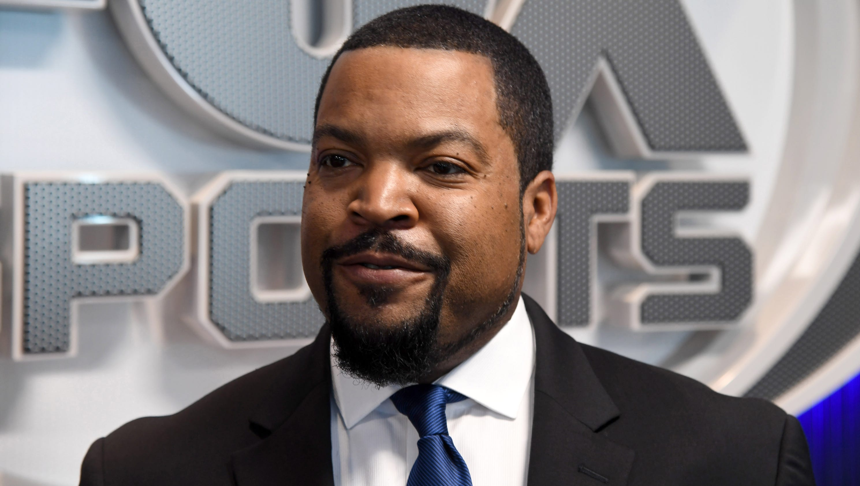 636591680320481287-usp-basketball--behind-the-scenes-with-ice-cube--c.3