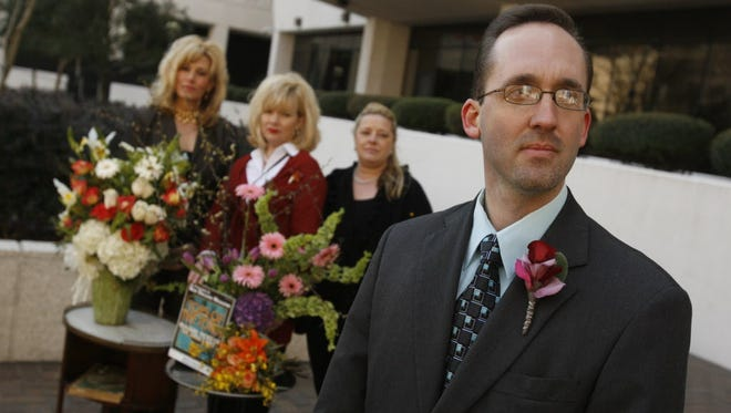Tim Keller of the Institute for Justice represents florists at a courthouse in New Orleans in 2010.