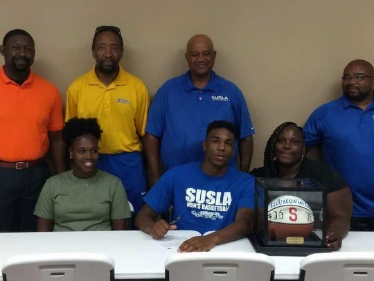 Southwood's Letreavin Black signs with Southern-Shreveport.