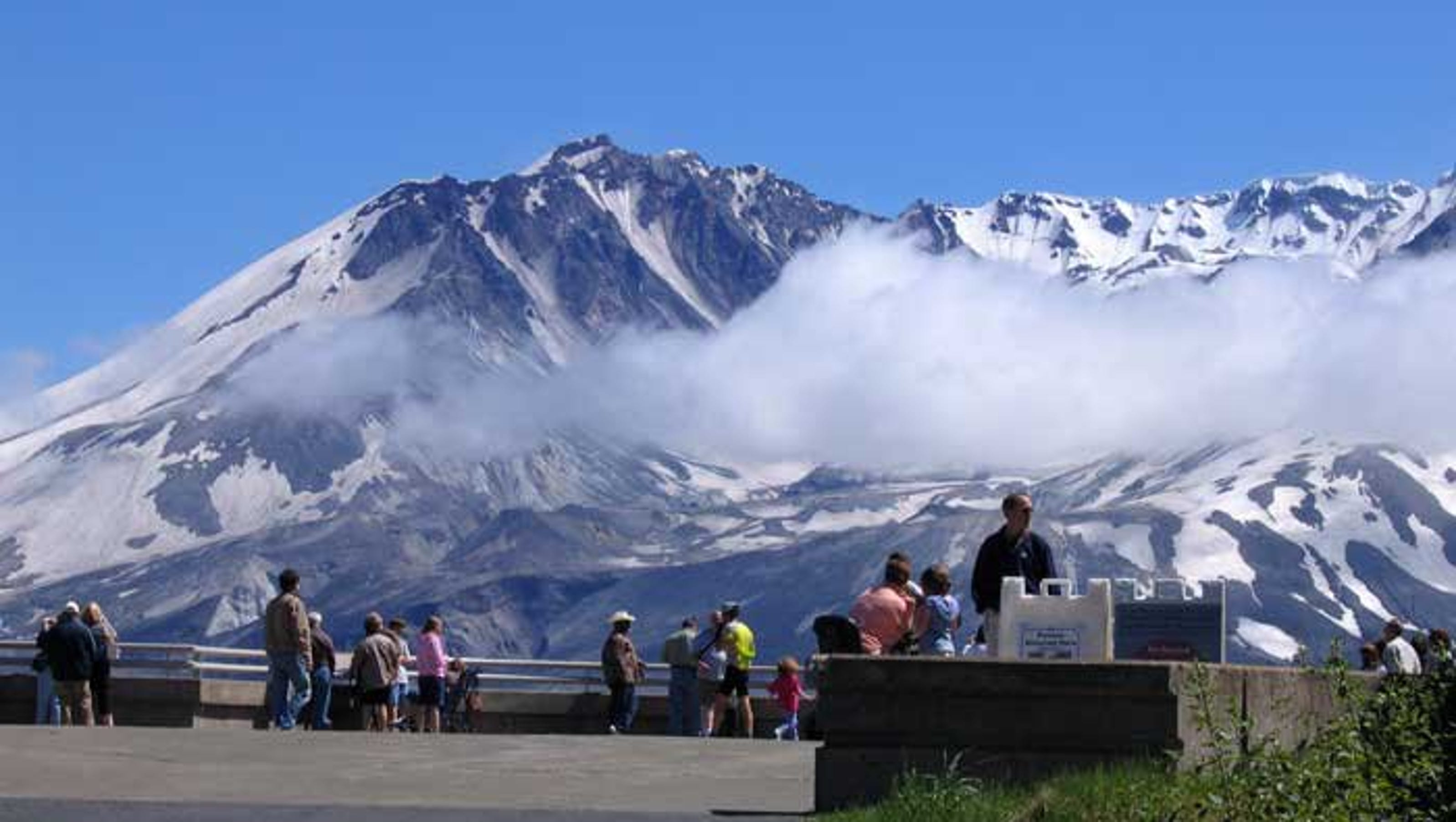 Mount St. Helens shows signs of reawakening