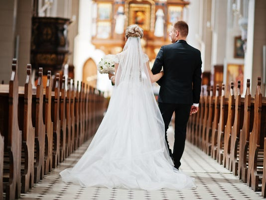 wedding_couple_church