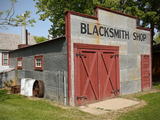 Members of the Central Minnesota Blacksmiths club are
