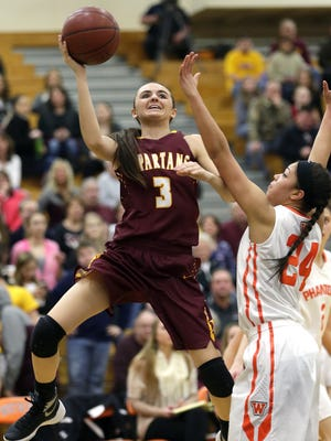 Luxemburg-Casco guard Cassie Schiltz (3) has verbally committed to the University of Wisconsin-Green Bay.
