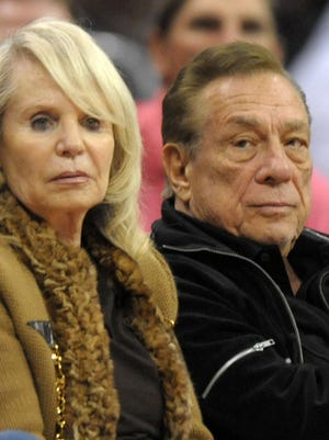 Clippers owners Donald and Shelly Sterling want to work out their own sale of the team.