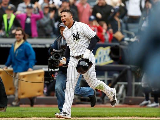Indians_Yankees_Baseball_08907.jpg