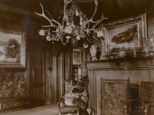 The reception hall of the Pabst Mansion in 1897 held