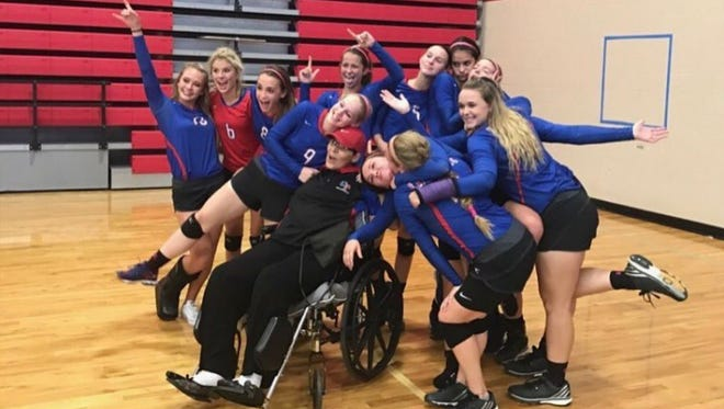 The Gregory-Portland High School volleyball team rallied around head coach Vanessa Steele during the 2016 season. Steele died Thursday of ovarian cancer.