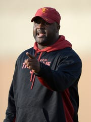 Southern California Trojans receivers coach Tee Martin at spring practice at Howard Jones Field on Mar 11, 2014.