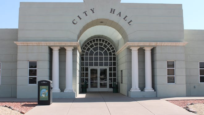 The City of Alamogordo announced Thursday evening that they are in the preliminary stages of negotiating a contract of employment with former City Manager Robert Stockwell.