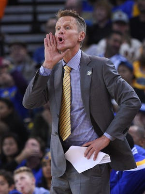 Warriors coach Steve Kerr yells instructions for his team in a win against the Lakers.